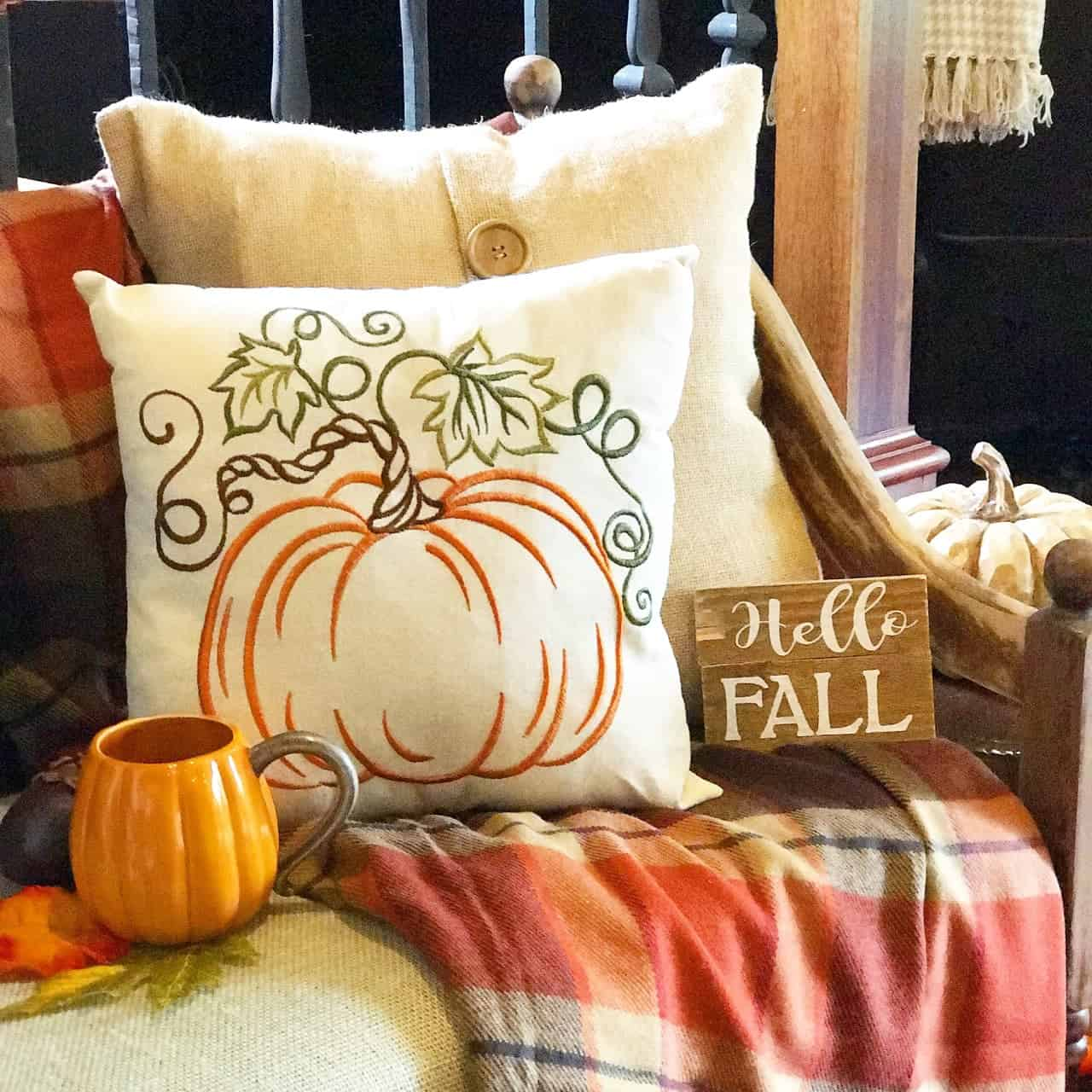 Fall Home Tour: Autumn in the Den and Kitchen | Derby Lane Dreams