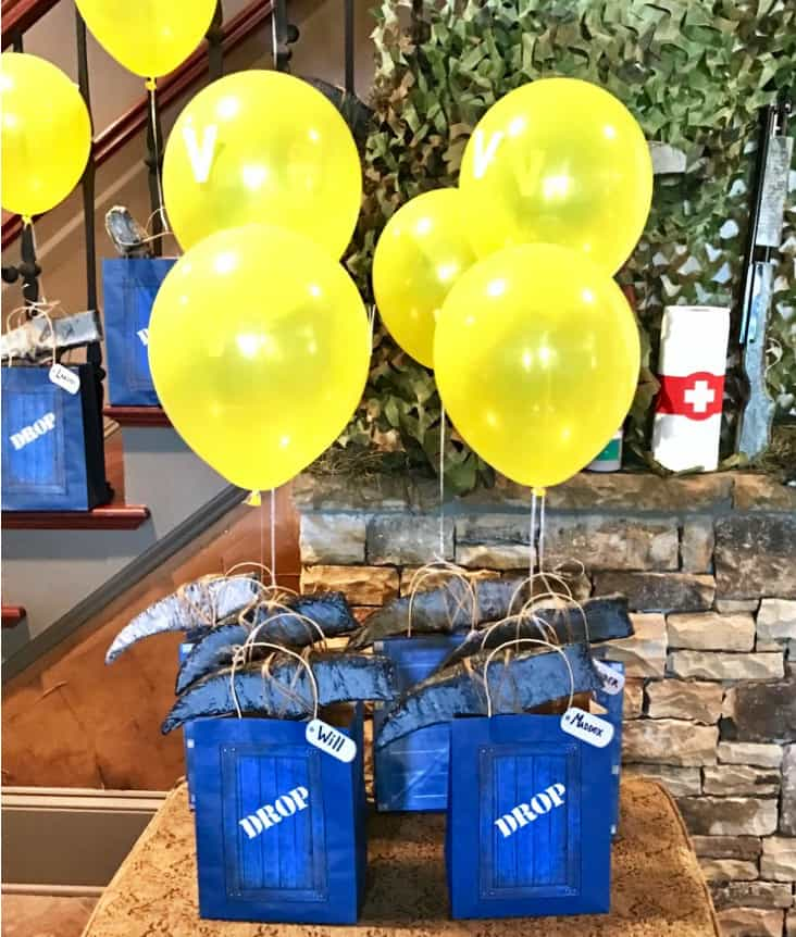 Fortnite Loot Drop Gift Bags with Yellow V Balloons.